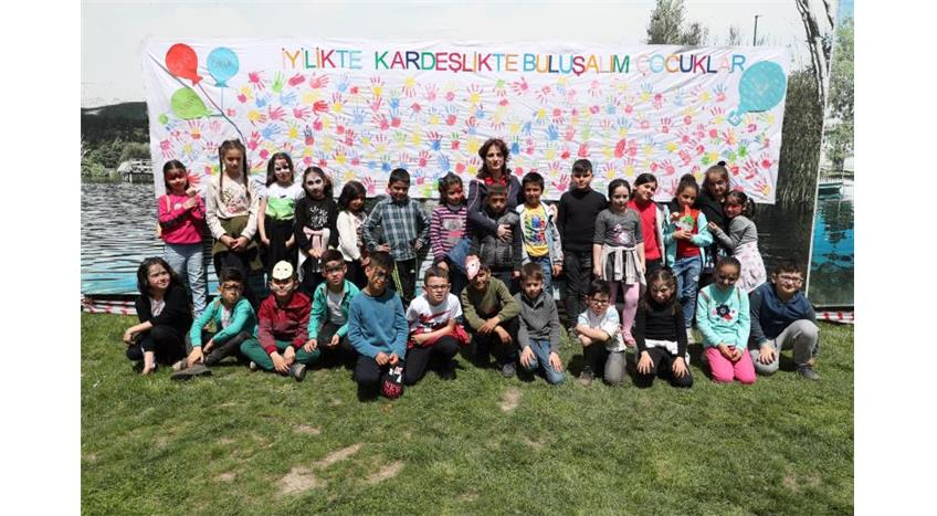 Turk Kizilay Binlerce Cocuk Kizilay Cocuk Festivali Nde 25 4 2019
